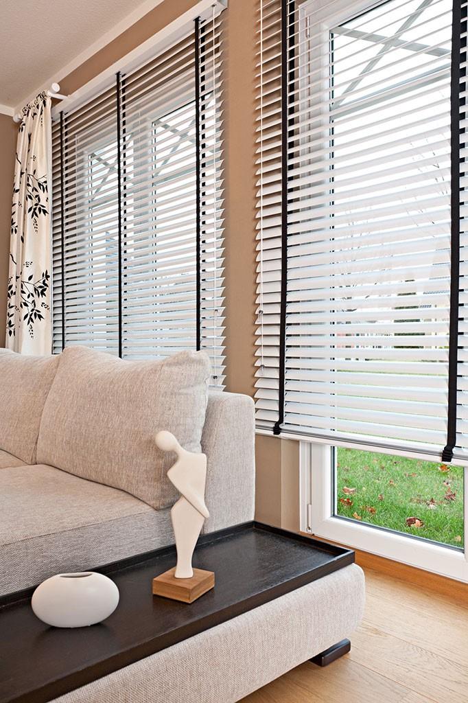 jalousien nach mass gallery of jalousie nach ma sunlines mit bohren with jalousien nach mass. Black Bedroom Furniture Sets. Home Design Ideas